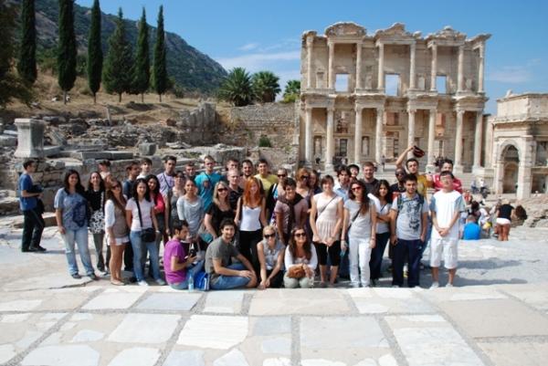 Erasmus öğrencilerinden İletişim Fakültesi'ne tam not