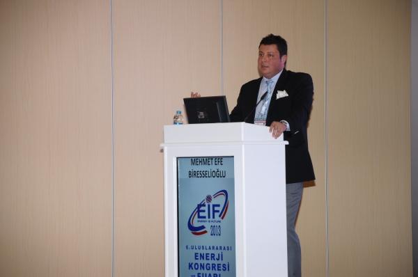 EIF 2013'DE İEÜ'YÜ Sürdürülebilir Enerji Anabilim Dalı Başkanı Temsil Etti