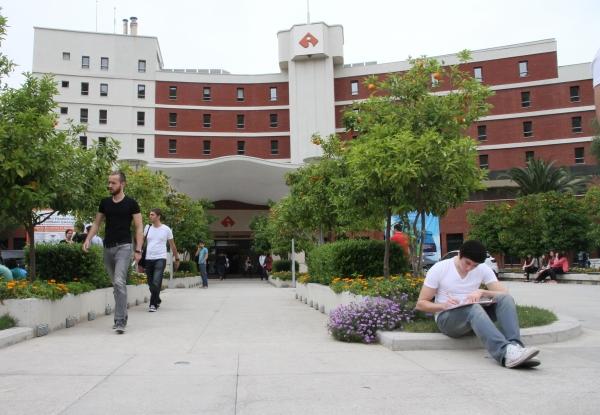 SUMMER SCHOOL FOR HIGH SCHOOLERS AT IUE