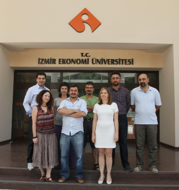 DISTINCTION OF IZMIR UNIVERSITY OF ECONOMICS IN ECONOMICS PUBLICATIONS