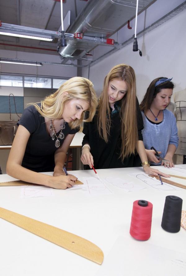 THE FUTURE AWARD-WINNING FASHION DESIGNERS FROM IZMIR UNIVERSITY OF ECONOMICS