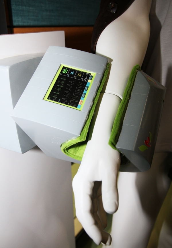 TOUCH OF DESIGN ON BLOOD PRESSURE MONITOR