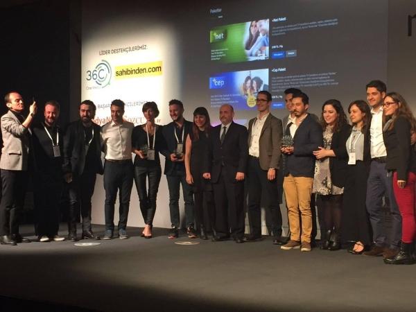 Mezunumuz Tunç Erdem, MIXX Awards Türkiye'den ödüllerle döndü