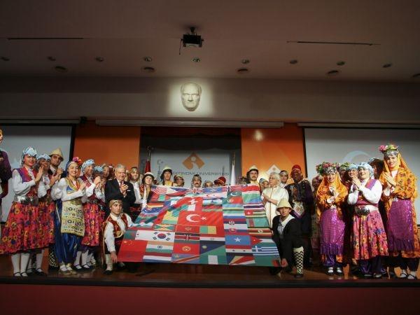 İZMİR EKONOMİ 15. YILINDA 'GELECEĞİN ÜNİVERSİTESİ'