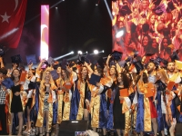 GLORIOUS GRADUATION AT IZMIR UNIVERSITY OF ECONOMICS