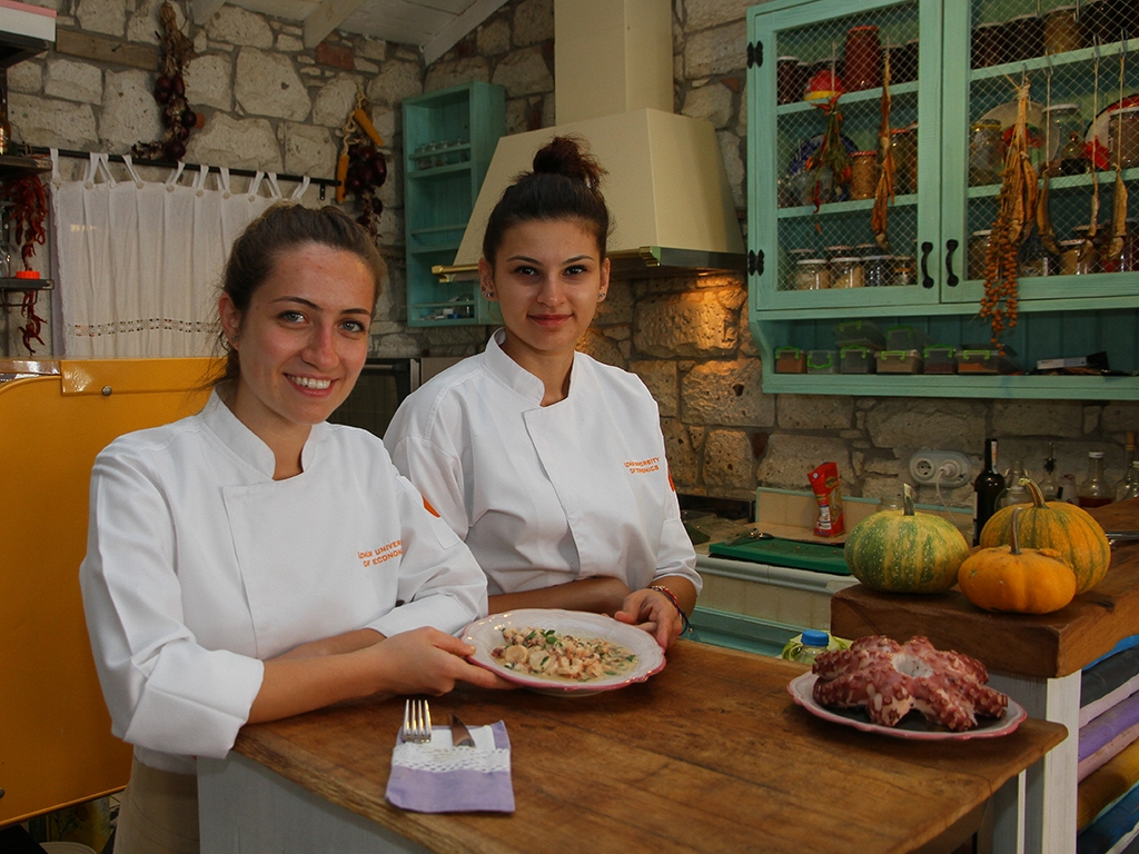 FEMALE CHEFS OF ALAÇATI