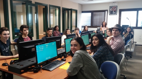 Izmir University of Economics- Faculty of Arts and Science, Department of English Translation and Interpreting continues to bring high school students together at translation workshops, as part of the activities they organize each year.