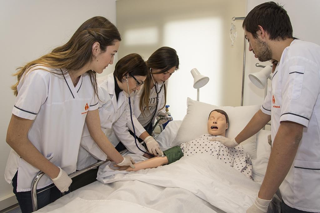 SPECIALIZATION IN HEALTH SCIENCES AT IZMIR UNIVERSITY OF ECONOMICS