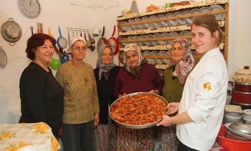 İEÜ Urla mutfak kültürünü belgeliyor