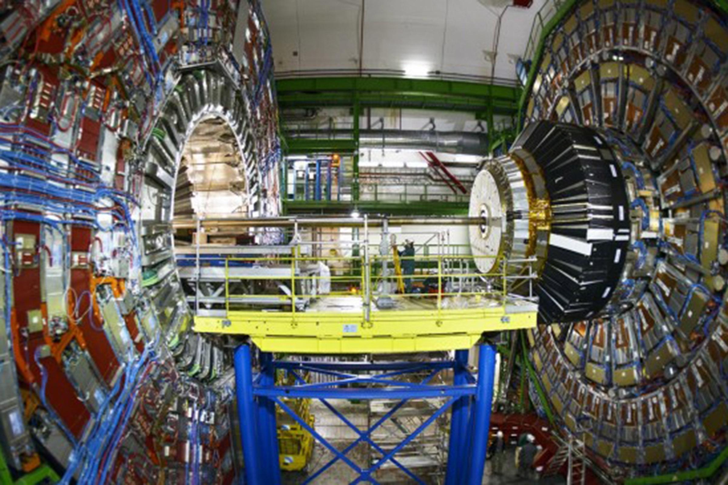 İZMİR, CERN'E YENİ KAN SAĞLAYACAK