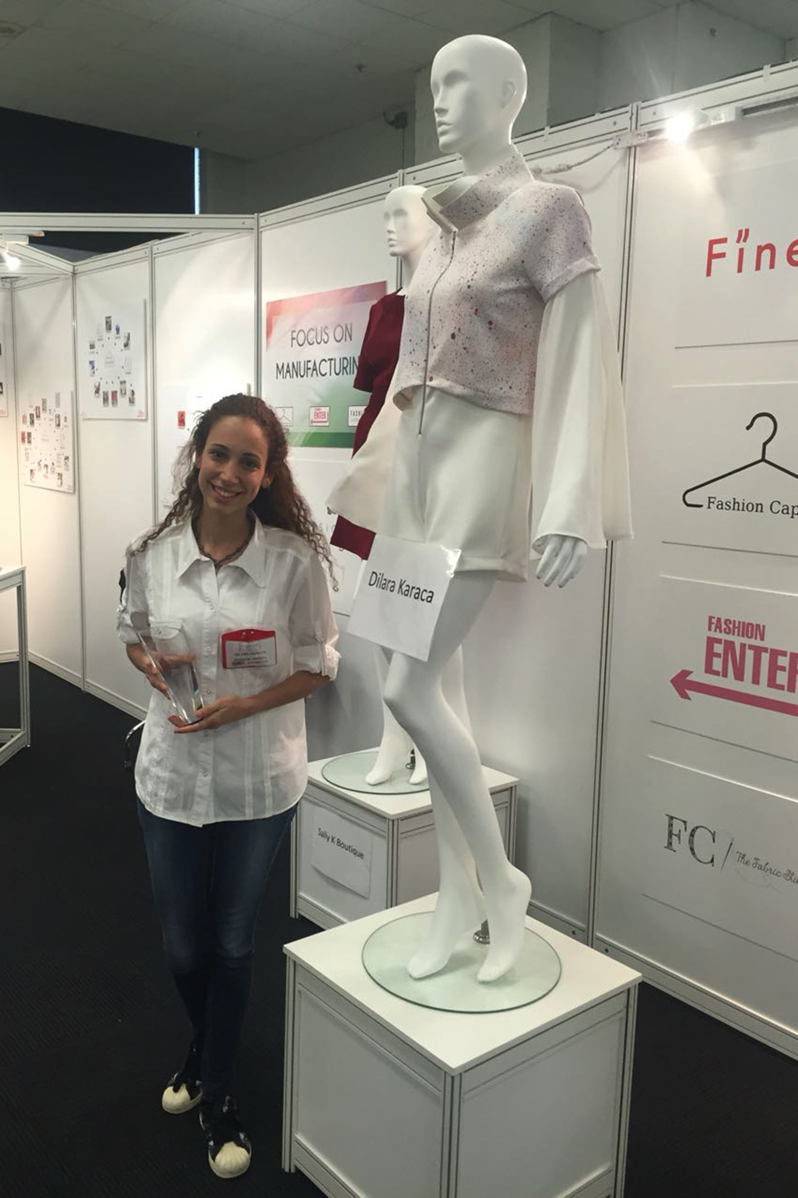 IZMIR GETS ANOTHER FIRST PRIZE IN FASHION