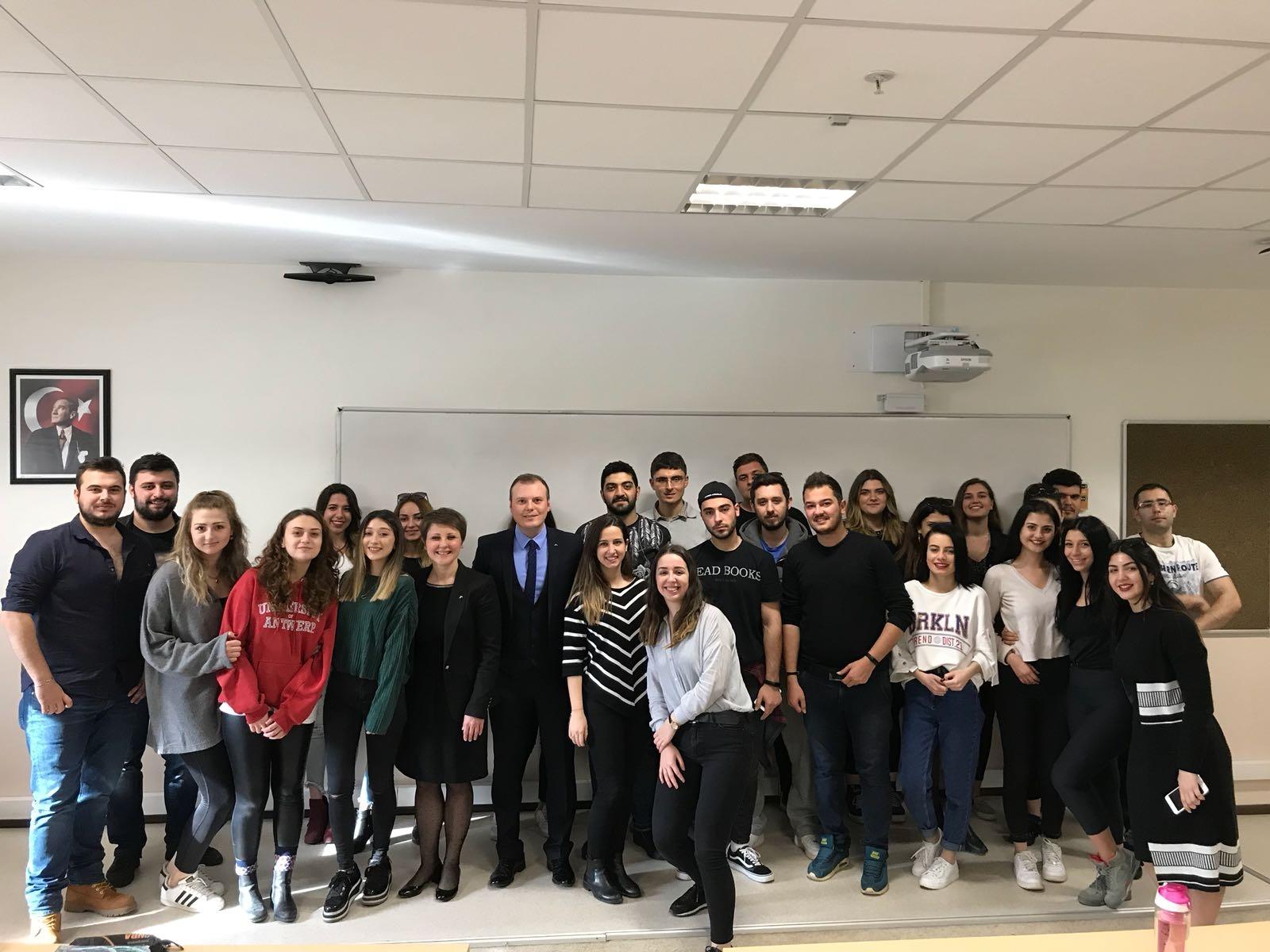 Swissotel Büyük Efes Çalışanları Turizmci Öğrencilerle Bir Araya Geldi