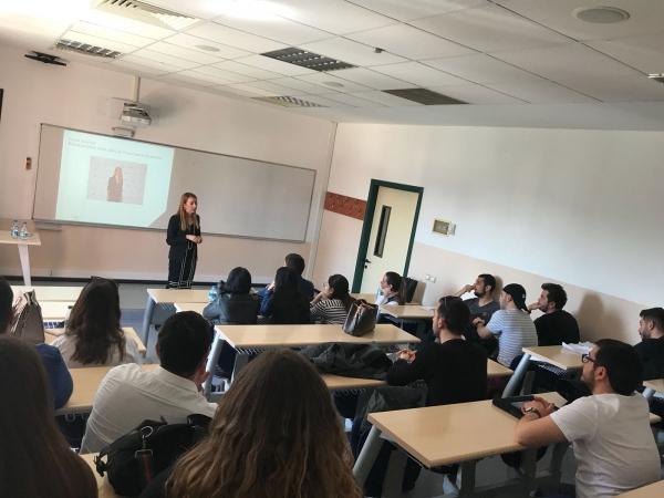 Renaissance İzmir Hotel Satış ve Pazarlama Direktörü Pınar Baykal Turizmci Öğrencilerle Bir Araya Geldi