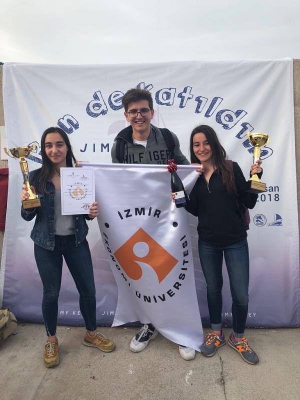 THREE CHAMPIONSHIPS IN SAILING CONTEST BY IZMIR UNIVERSITY OF ECONOMICS