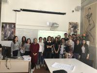 """İç Mekan Tasarımı Programı, İzmir Ekonomi Üniversitesi Meslek Yüksekokulu bünyesinde sürdürülmekte olan """"Çıraklar Ustalara Soruyor"""" etkinliği kapsamında İçmimar İklime Polat Yalçıner'i ağırladı."""