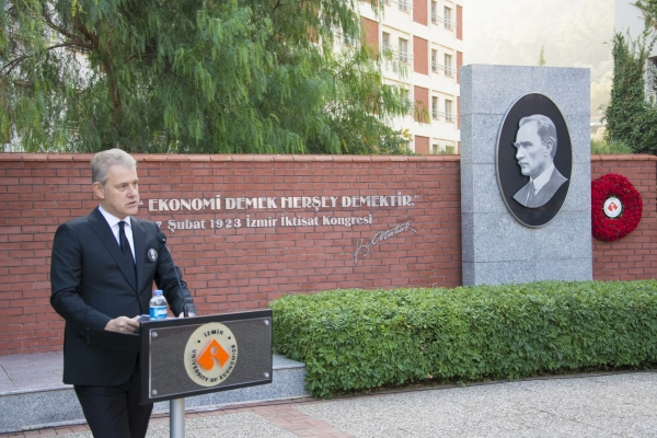 GREAT LEADER ATATURK COMMEMORATED AT IUE