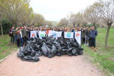 300 KILOS OF GARBAGE COLLECTED BY IUE STUDENTS IN ONE HOUR
