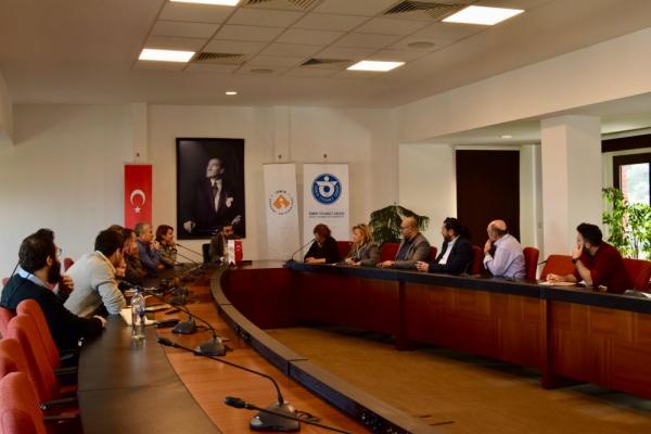 İzmir Gazeteciler Cemiyeti Yönetim Kurulu Üyeleri İzmir Ekonomi Üniversitesi'ndeydi