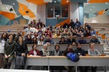 High school students met with communication world