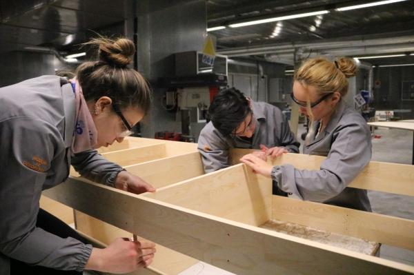 Üniversiteli gençler liseli gençler için üretiyor