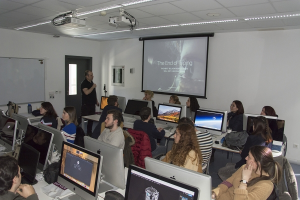 "IUE Visual Communication Design Department ""Which one is Hard: To Create or to Sell?"" Workshop"