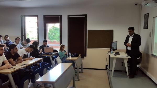 BETON-TAŞ Hazır Beton Şirketinin Genel Müdürü ve İnşaat Mühendisleri Odası İzmir Şubesi Yönetim Kurulu Üyesi İrfan Kadiroğlu İnşaat Teknolojisi Öğrencileriyle Bir Araya Geldi
