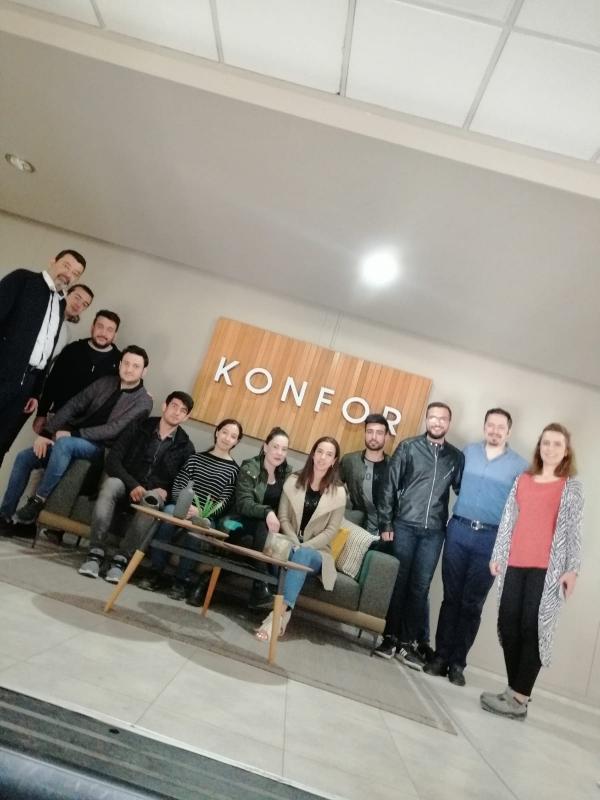 Mobilya ve Dekorasyon Programı ile İç Mekan Tasarımı Programı Öğrencilerimiz Konfor Mobilya Fabrikasında