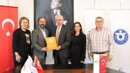 İzmir Ekonomi Üniversitesi Meslek Yüksekokulu ile TÜRSAB İş Birliği Yaptı