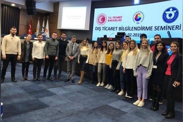 Dış Ticaret Öğrencileri İZTO Dış Ticaret Destek Ofisi Projesindeler