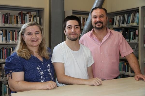 'TRANSLATION' SUCCESS OF IUE STUDENT