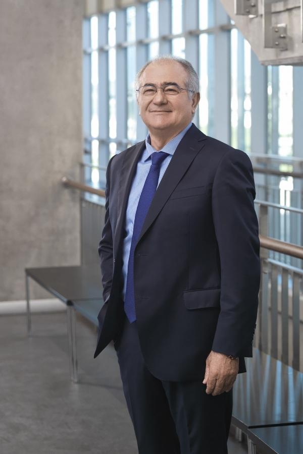 İzmir Ekonomili profesörün 60'ıncı yaşı için uluslararası konferans