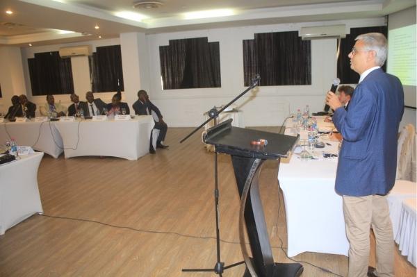 İzmir Ekonomi Üniversitesi'nden Afrika kıtasında silahsızlanmaya katkı!