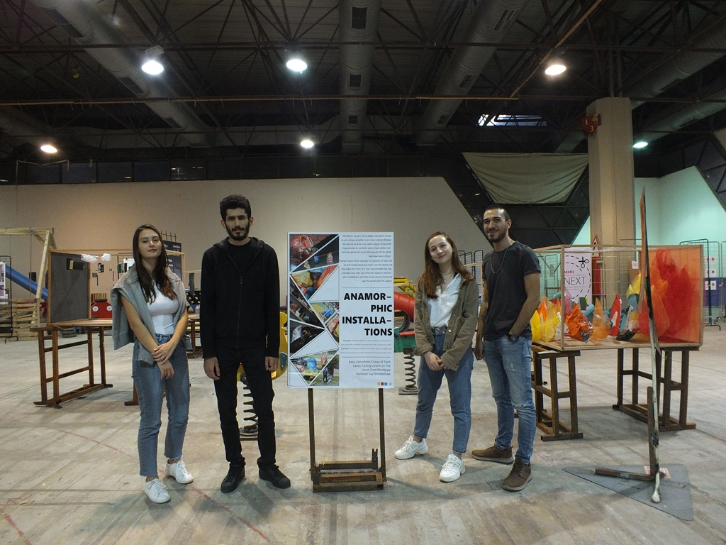 Izmir University of Economics Students at Good Design 4