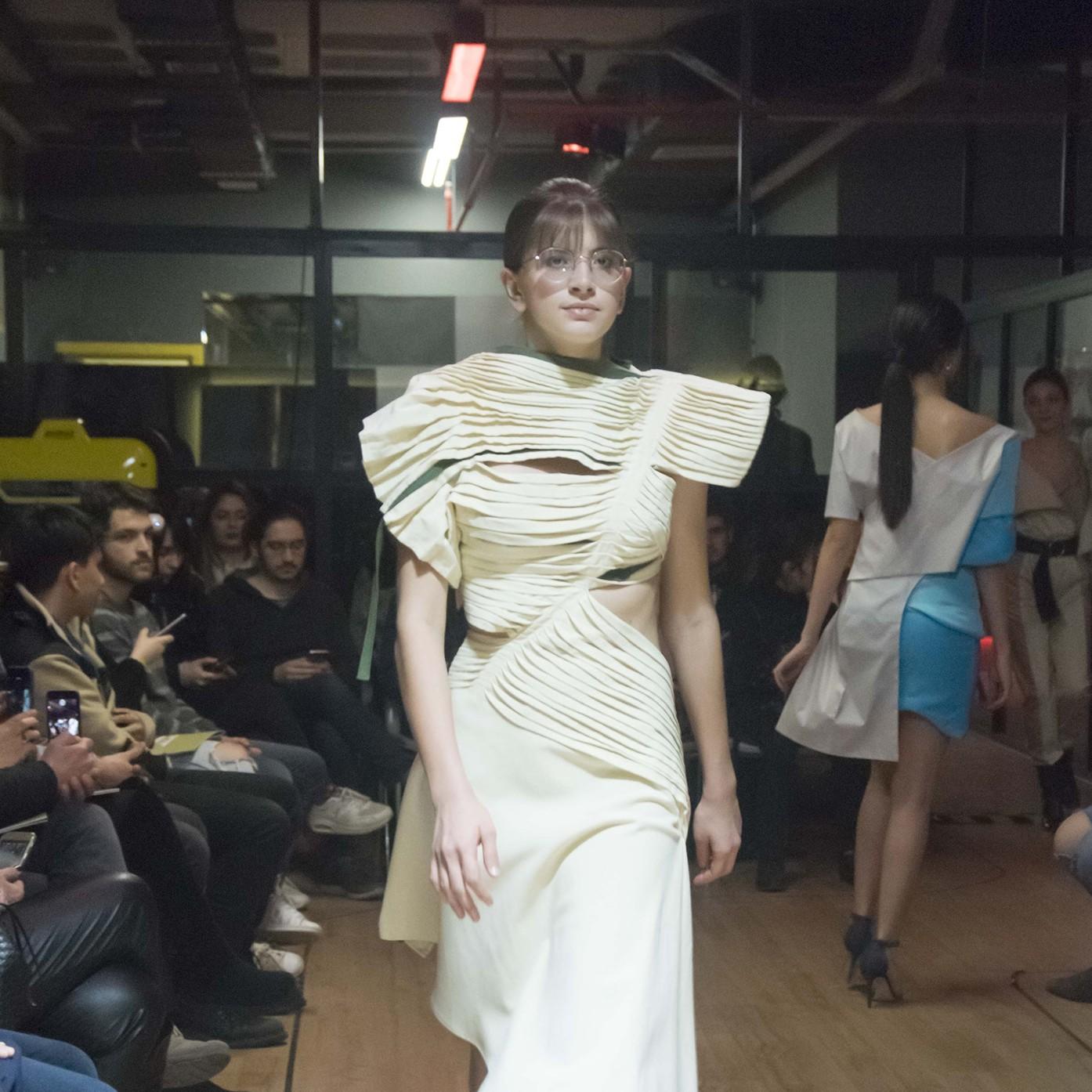 Genç modacıların tasarımları podyuma çıktı