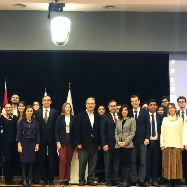 İzmir Ekonomi'de 'Uygulamalı eğitim' fırsatı