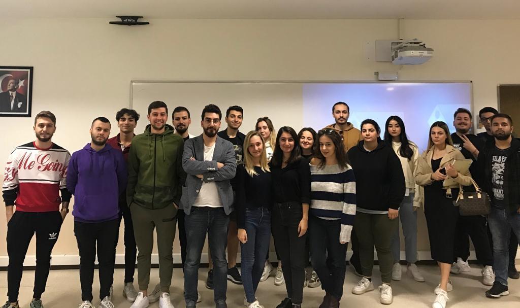 Senarist Sadık Fatih Koç Radyo ve Televizyon Programcılığı öğrencileri ile buluştu