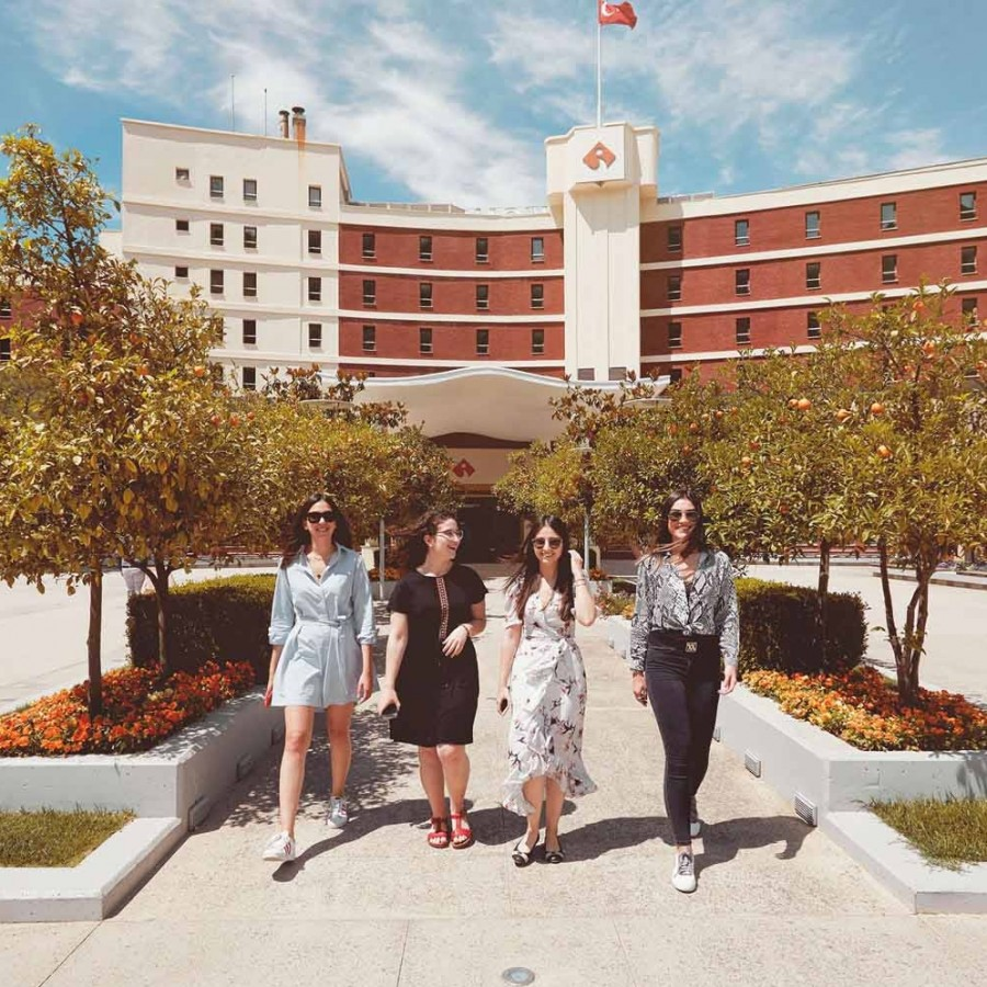 'Scholarship' and 'discount' opportunity at Izmir University of Economics