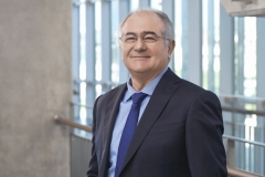 İEÜ'lü profesöre Yunanistan'dan büyük onur