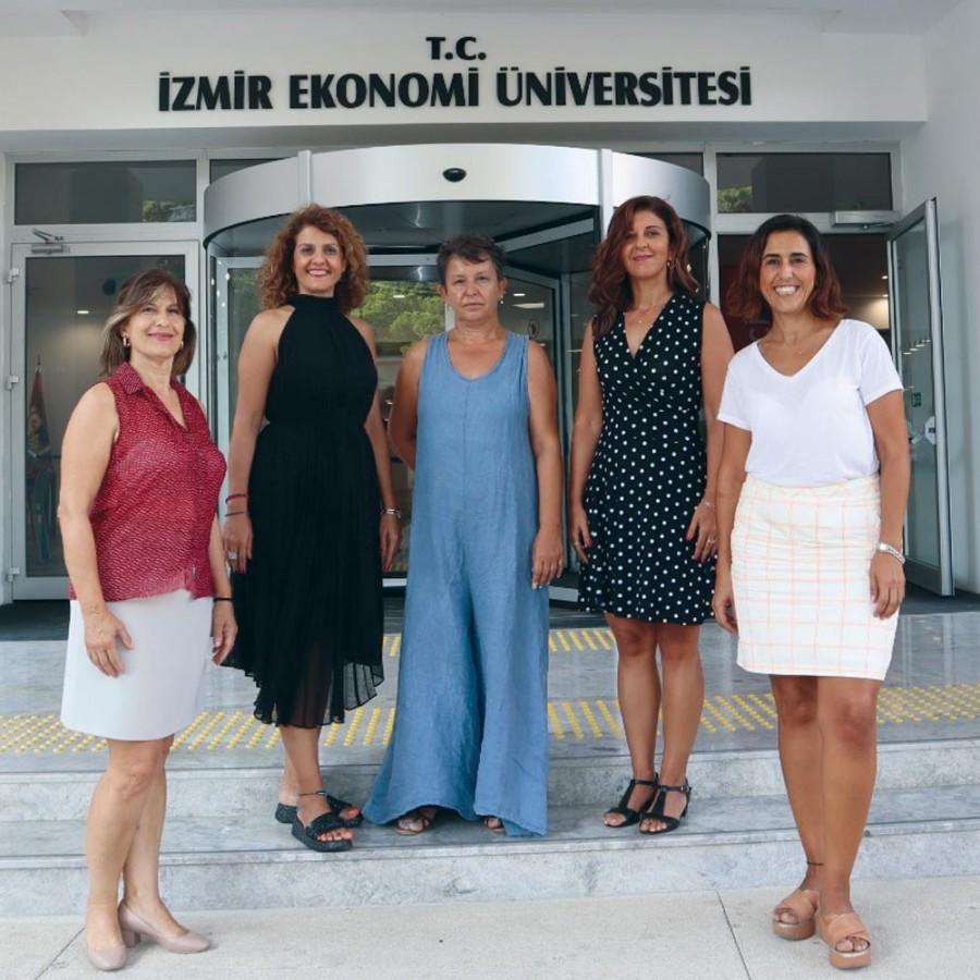 İzmir Ekonomili akademisyenler Belçika yolcusu